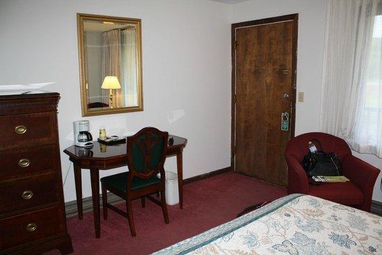 Hillwinds Lodge: entrance