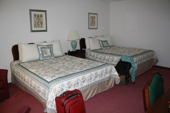 Hillwinds Lodge: beds