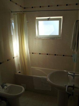 Agua Marinha : Bathroom