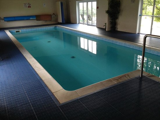 Bucks Farm Holiday Cottages: The pool