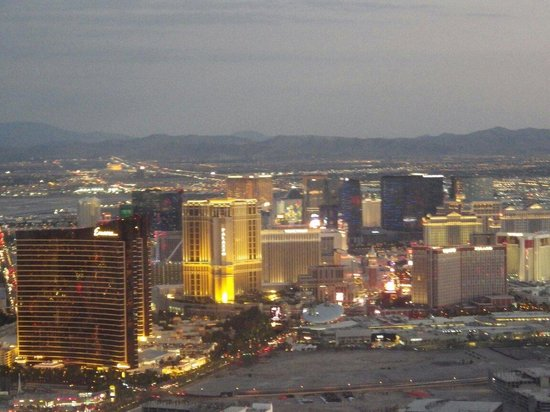 Sunshine Helicopters - Grand Canyon Tours: Las vegas sunset view