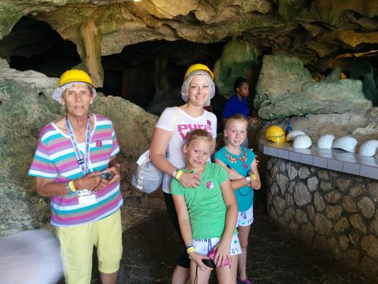Green Grotto Caves: At the entrance