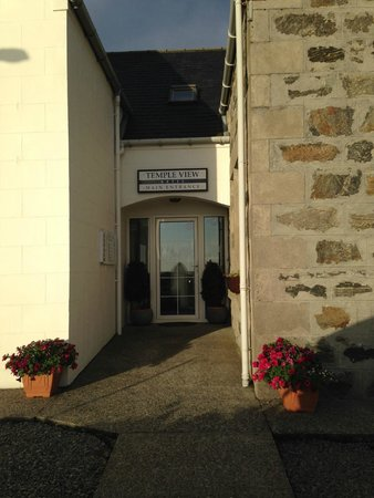 Temple View Hotel: Hotel Entrance