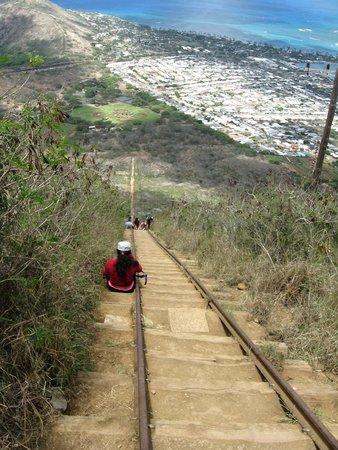 Koko Crater Trail: Koko head climb- going down...
