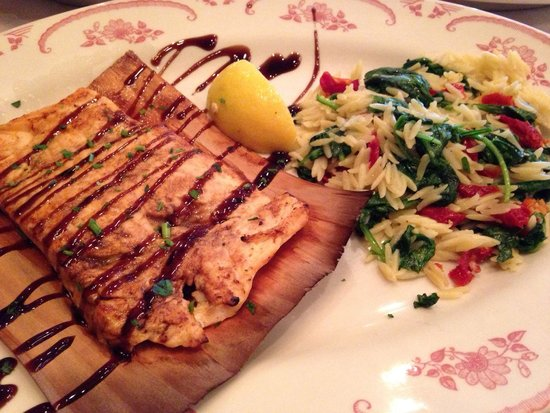Maggiano's Little Italy: Balsamic salmon