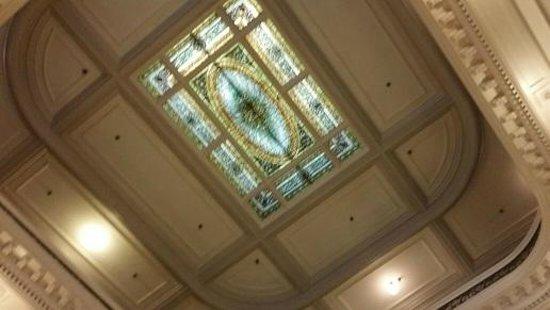 Menger Hotel: Ceiling