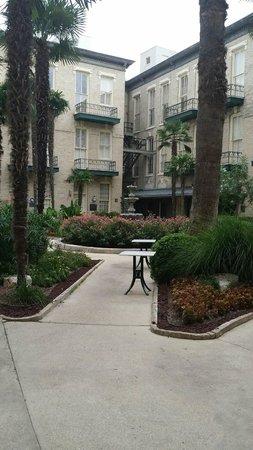 Menger Hotel: Peaceful Patio