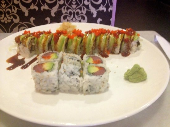 Kura Thai and Sushi : Great selection of rolls