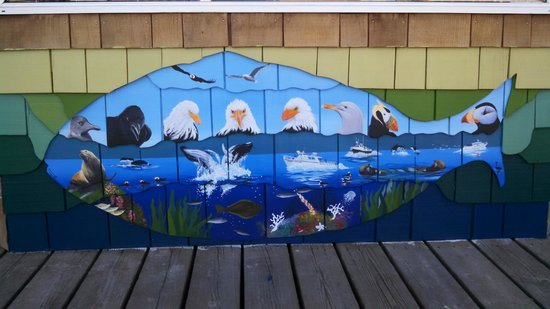 Seward Boat Harbor: Cool Artwork Along the Harbor
