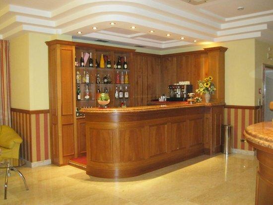 Hotel Joyfull: Hotel mini bar