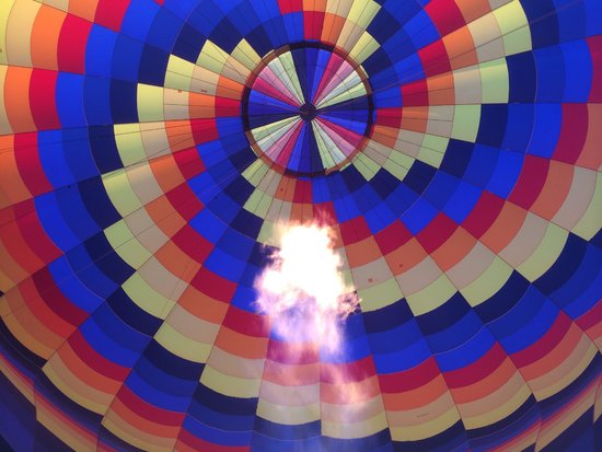 Canyonlands Ballooning : Heating the air to take us skyward!