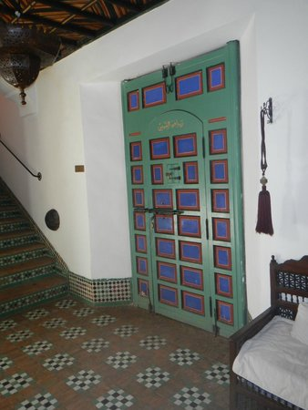 Riad Kaiss : Lovely doorway and tiled stairs