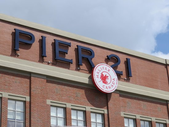 Canadian Museum of Immigration at Pier 21 : Entrance