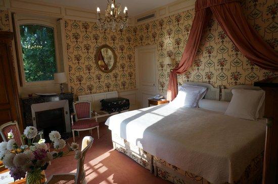 Domaine des Hauts de Loire : Superior King Bed Room in Main Building