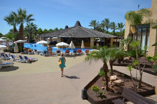 IBEROSTAR Isla Canela Hotel: Zona piscina