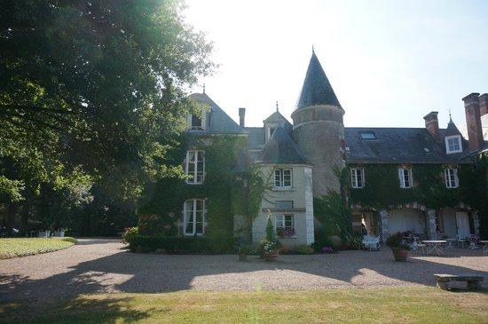 Domaine des Hauts de Loire : Main building from back side