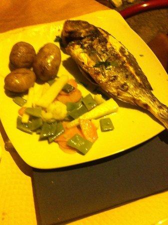 Restaurante Brisa do Rio : Dourada grelgada