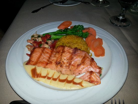 The Cottage : Fresh salmon perfectly prepared & beautifully presented