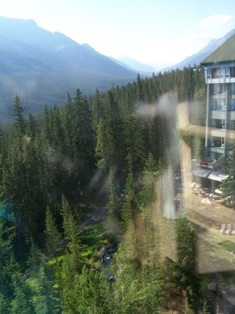 Rimrock Resort Hotel: Obstructed view from our Premium Room
