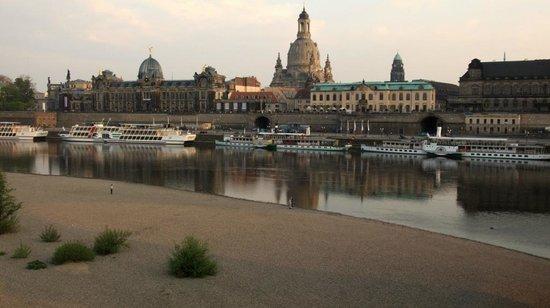 Elbpanorama mit Frauenkirche