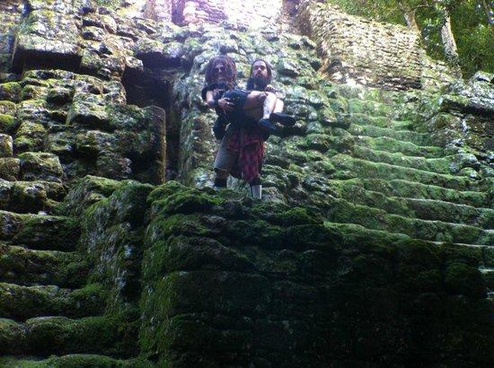 Hotel Jaguar Inn Tikal: Walk 100 yards, you're in freekin' TIKAL!!!