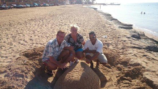 SUNRISE Select Royal Makadi Resort: Ahmed, the creative Lifeguard