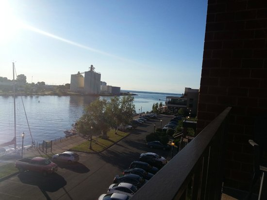 Best Western Plus Oswego Hotel And Conference Center : View from room