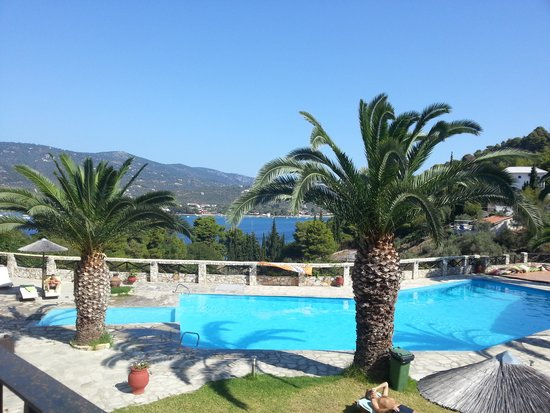 Hotel Punta Club: piscina e vista
