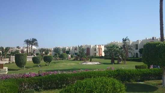 SUNRISE Select Royal Makadi Resort: View on the buildings
