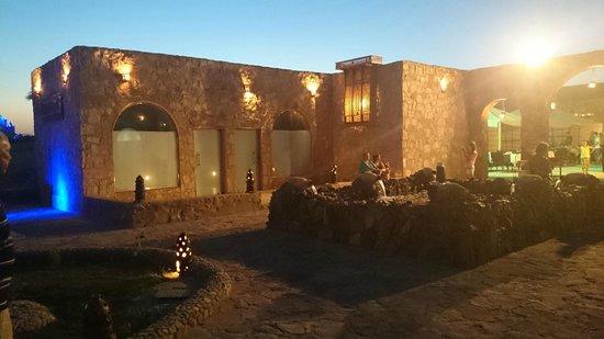 SUNRISE Select Royal Makadi Resort: the arrabian restaurant at the evening