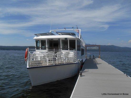 McCall Lake Cruises: Cruise ferry