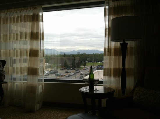 Anchorage Marriott Downtown: Good views and conveniently located
