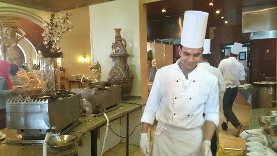 SUNRISE Select Royal Makadi Resort : Breakfast fry scrambled eggs