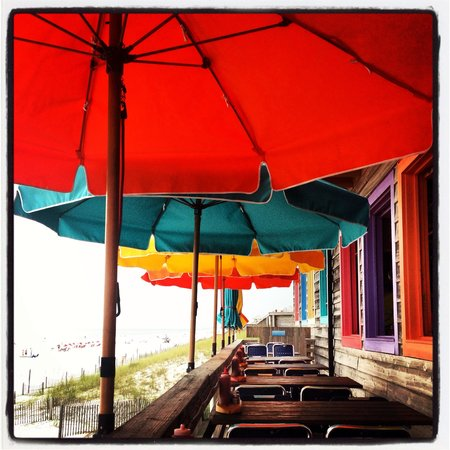 Pompano Joe's: Sit outside under the umbrellas