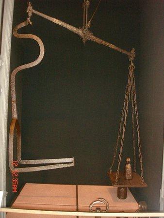 Museu De Artes & Ofícios: Balanca de pesar escravos, sim esxistiu !