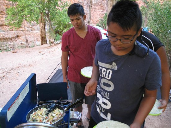 Havasupai Falls : the famous burrito breakfast of supai Ty