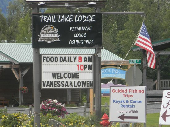 Trail Lake Lodge: lodge sign