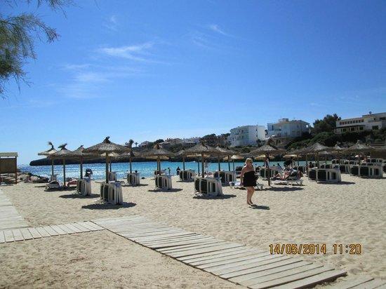 OLA Hotel El Vistamar: Beach 20 mins walk