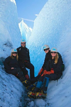 Mica Guides : sitting outside a crevasse