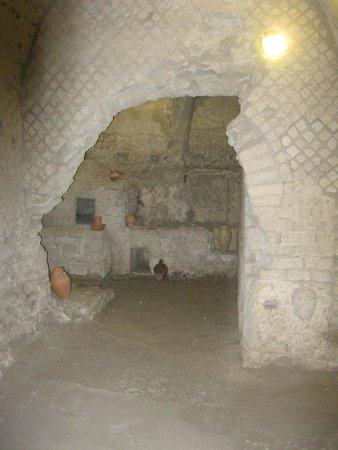 Complesso Monumentale San Lorenzo Maggiore - La Neapolis Sotterrata: Underground room of the Roman market