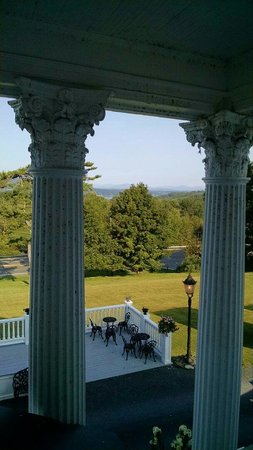 Belvedere Mansion : View from hallway balcony