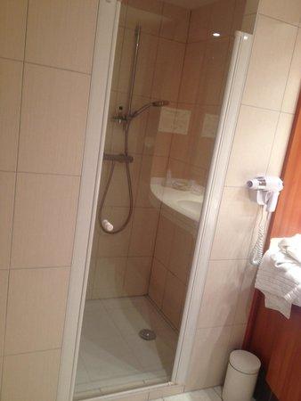 Hotel Cigoland: Douche