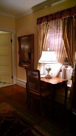 Belvedere Mansion : Bedroom
