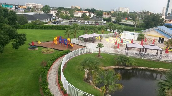 SUNSOL International Drive: Childrens Playground by the pool