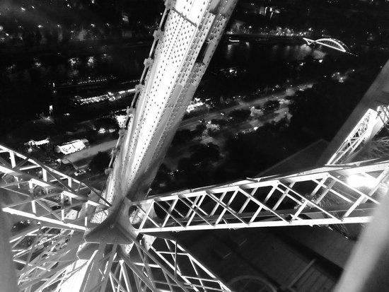 Tour Eiffel : dalle scale