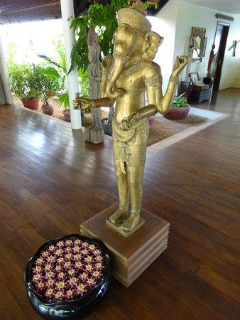 Navutu Dreams Resort & Wellness Retreat: lobby