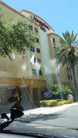 Hampton By Hilton Miami-Coconut Grove/Coral Gables: Frente do hotel