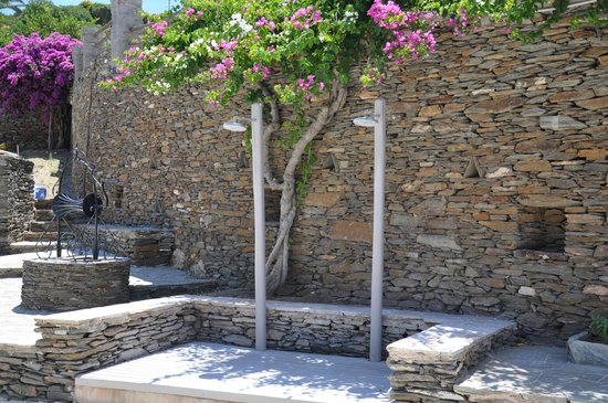 Alexandros Hotel: Outdoor shower