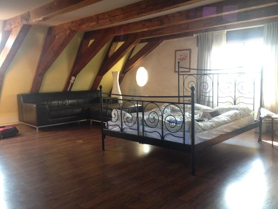 Aivengo Youth Hostel: Private double