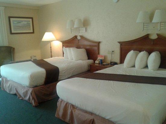 Howard Johnson Resort Hotel - ST. Pete Beach FL: 6